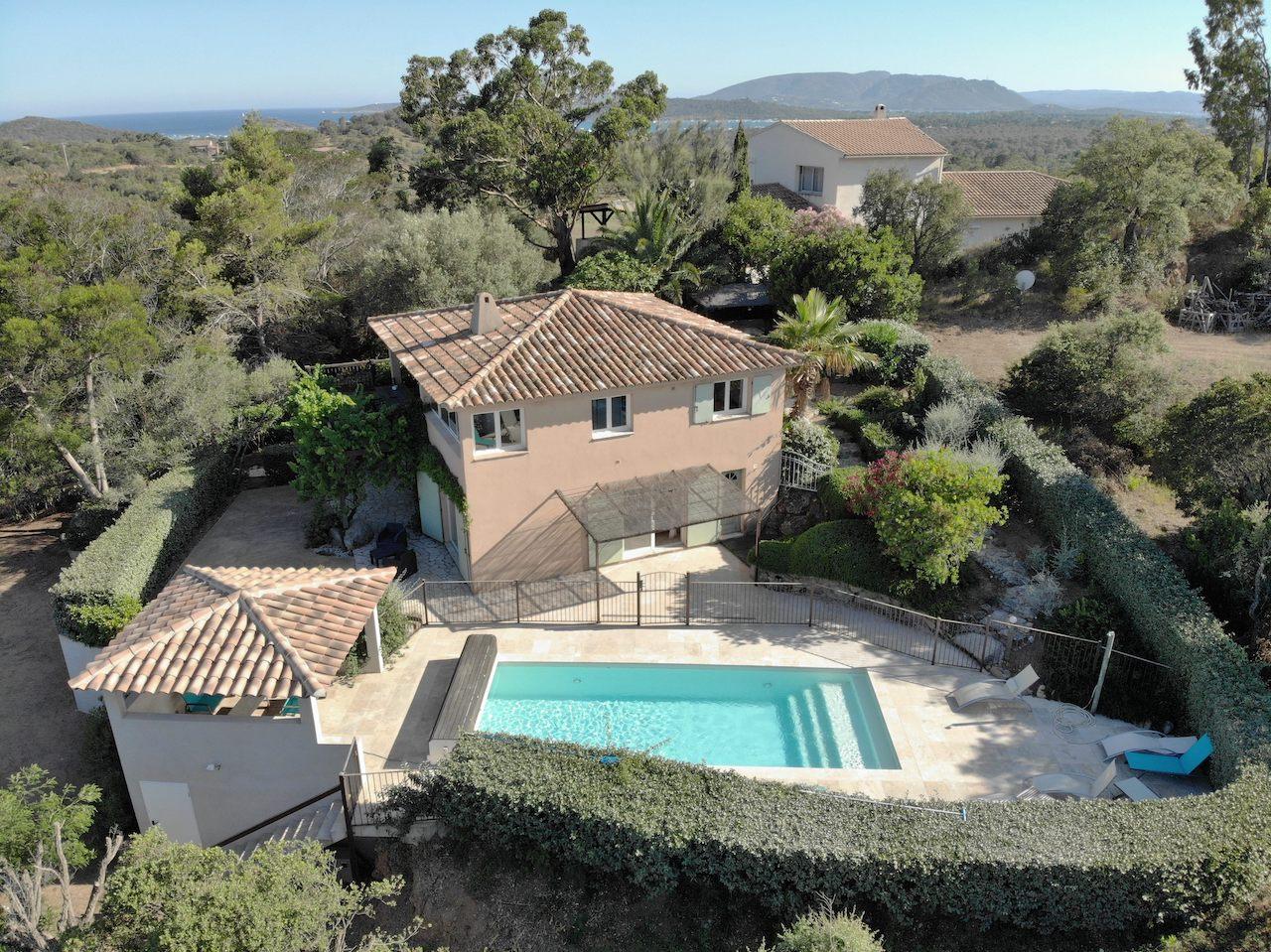 Entre St Cyprien et Pinarello, Villa T-5 VUE MER avec PISCINE.