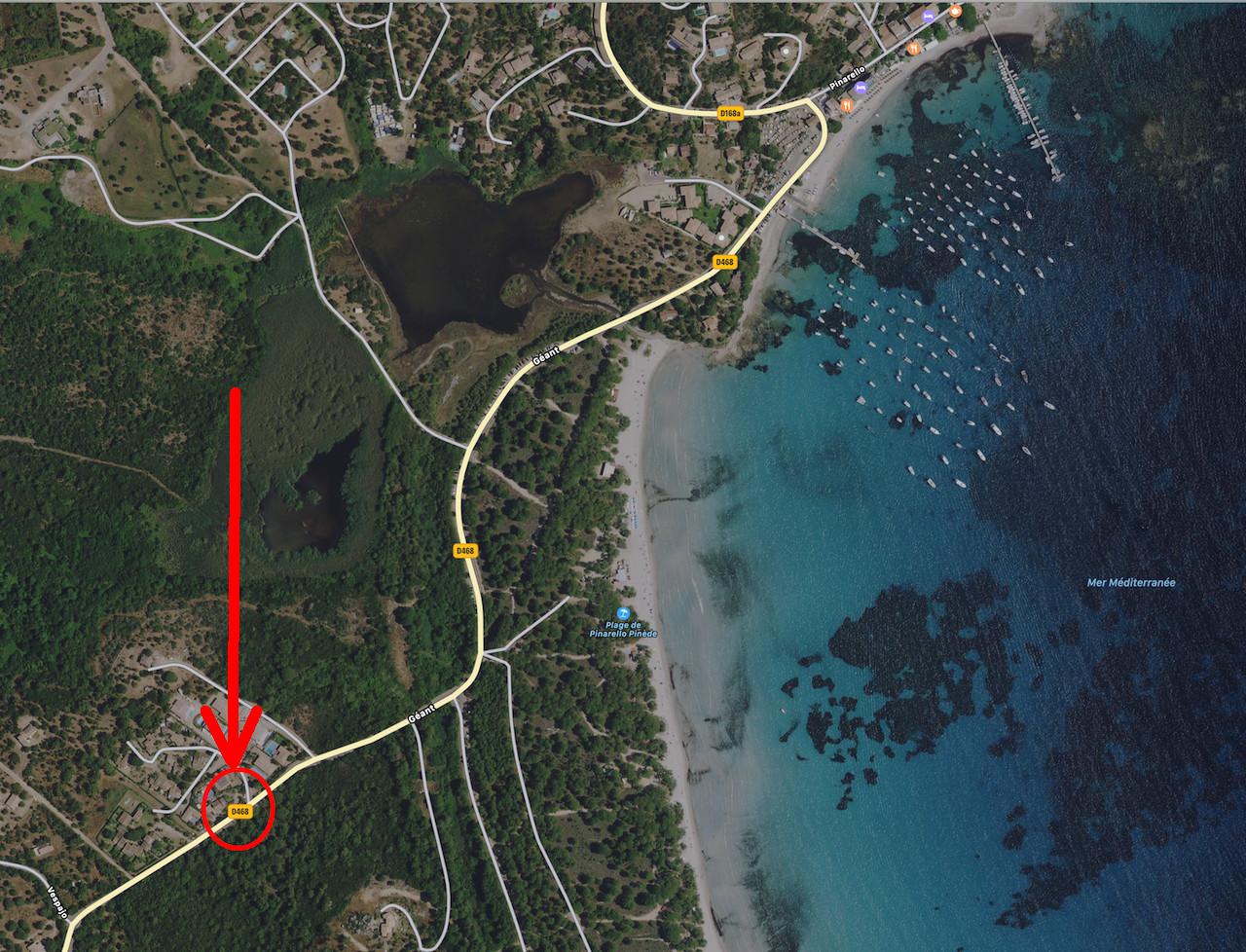 Pinarello, à 250m. à pied de la plage: Mini-Villa T-2 avec jardin.