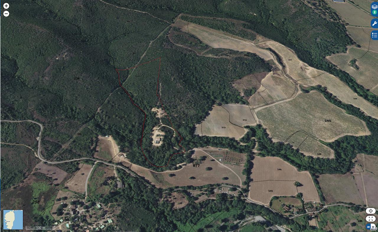 Aghione (secteur Ghisonaccia/Aléria): MAISON EN PIERRE T-5 avec PISCINE dans PROPRIÉTÉ DE 4 HECTARES.