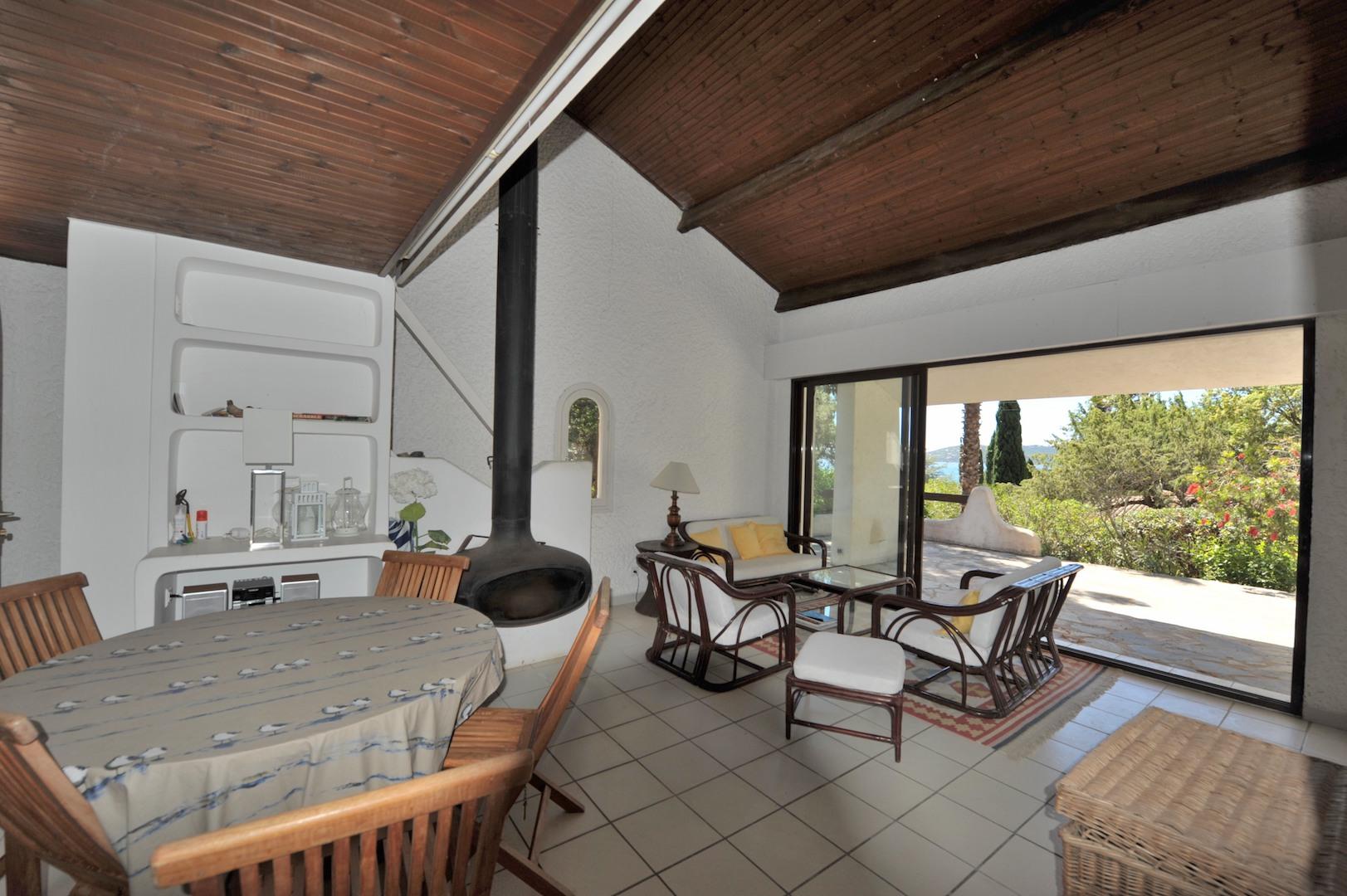 DOMAINE PRIVÉ DE CALA ROSSA: Villa T-5 TRÉS BELLE VUE MER et PISCINABLE.