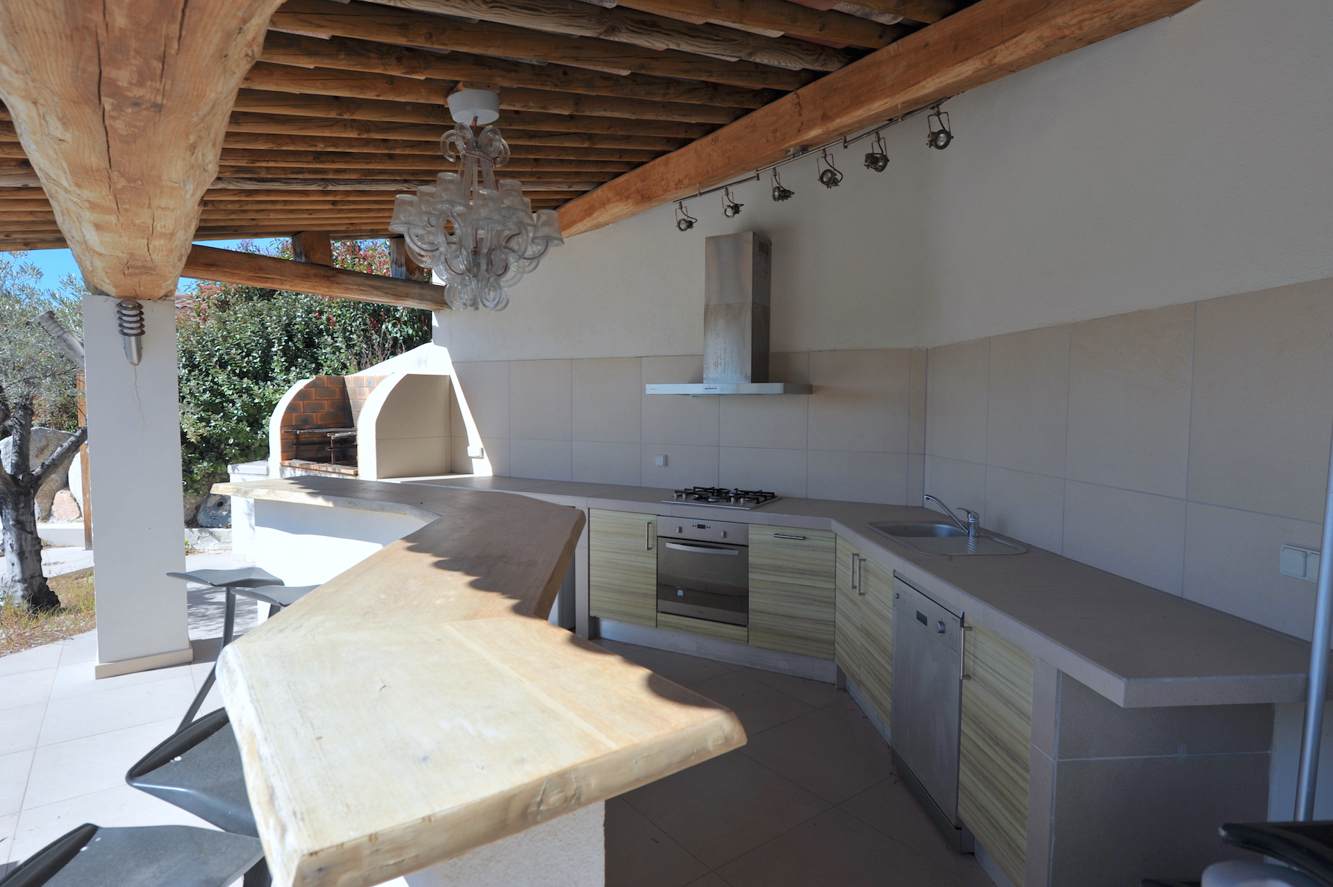 Golfo di Sogno, entre Marina di Fiori et Cala Rossa: Propriété comprenant une VILLA T-4 VUE PANORAMIQUE SUR LE GOLFE AVEC POOL-HOUSE et PISCINE, ainsi qu'une dépendance de type BERGERIE.