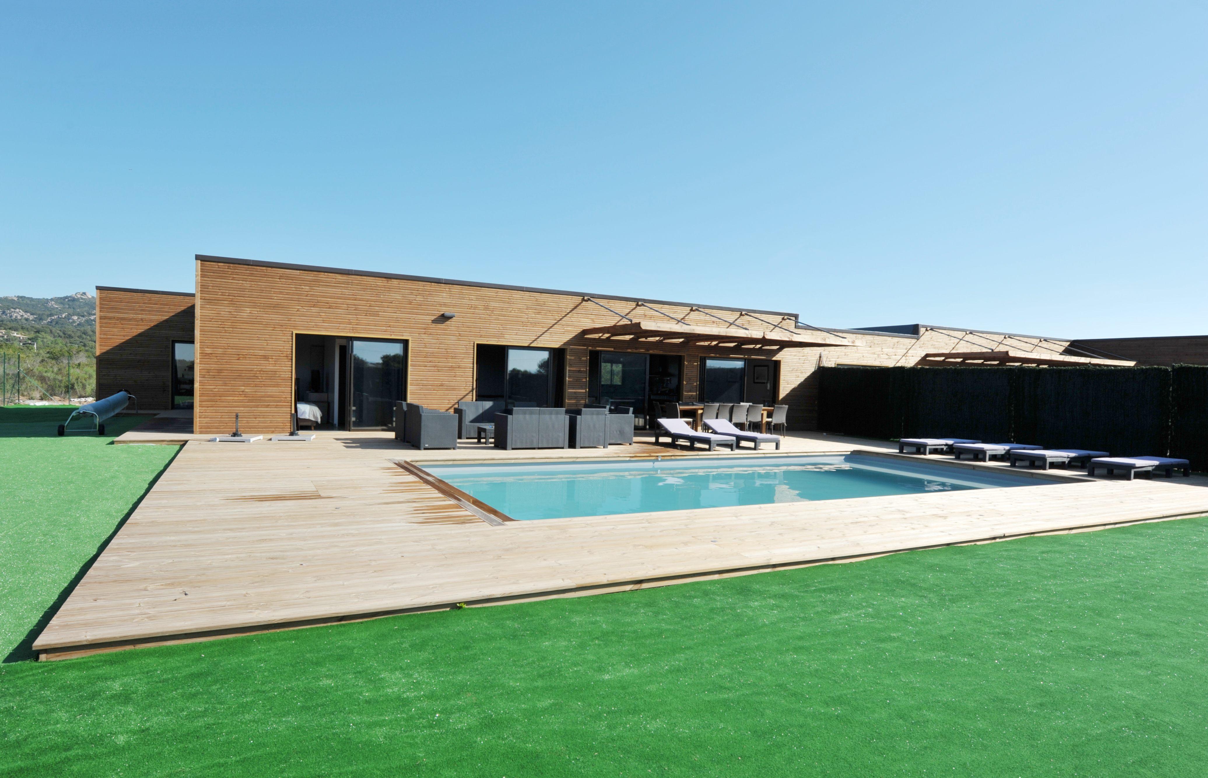 Villa contemporaine neuve type 5 avec garage et piscine for Prix piscine couverte