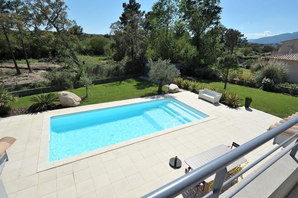 Marina di fiori villa type 5 avec piscine situ e moins for Prix piscine aquilus