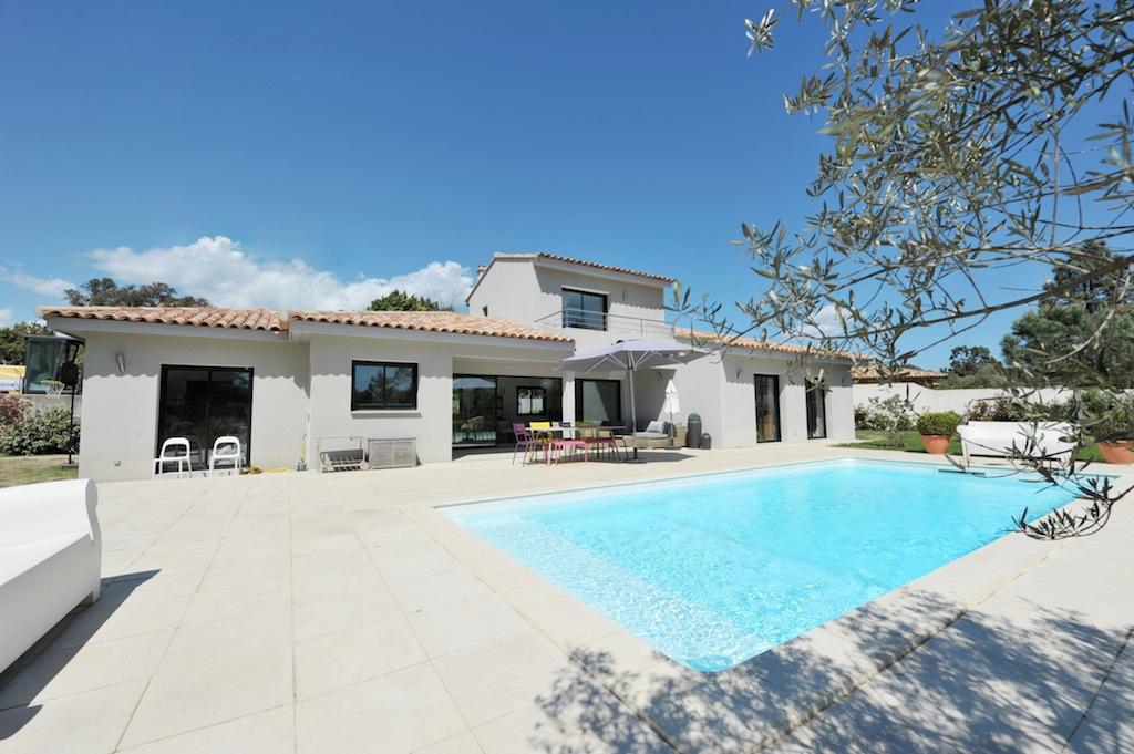 Marina di fiori villa type 5 avec piscine situ e moins for Jardin 100m2 piscine