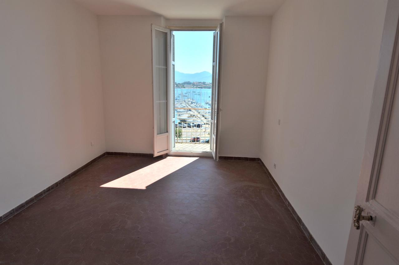 chambre 1 avec balcon-terrasse
