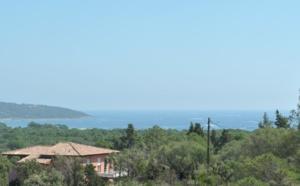 Pinarello, à 750 m. de la plage: VILLA NEUVE T-5 SUPERBE VUE MER avec PISCINE.